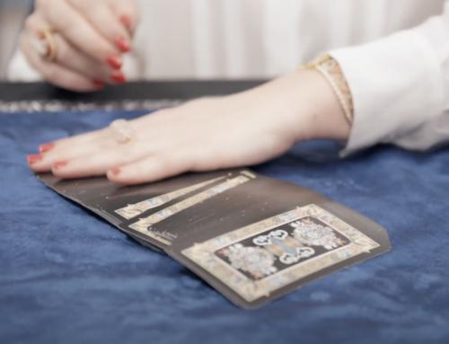 Dior, tarocchi, fatto a mano, divinazioni, poesie…e les petites mains!